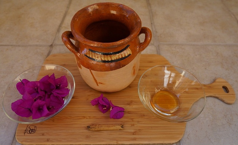 Bougainvillea tea against cough 001 copy