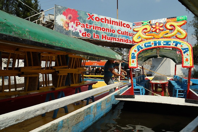 The Venice of Mexico – Celebrating 33 years of marriage in Xochimilco