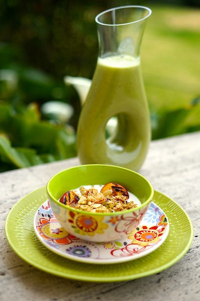 Yogurt with Muesli and Nectarines & Energetic Juice