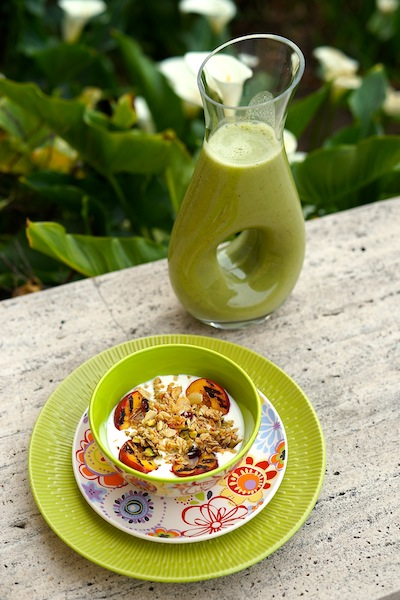 Yogurt with Muesli and Nectarines & Energetic Juice Food 3 65 copy