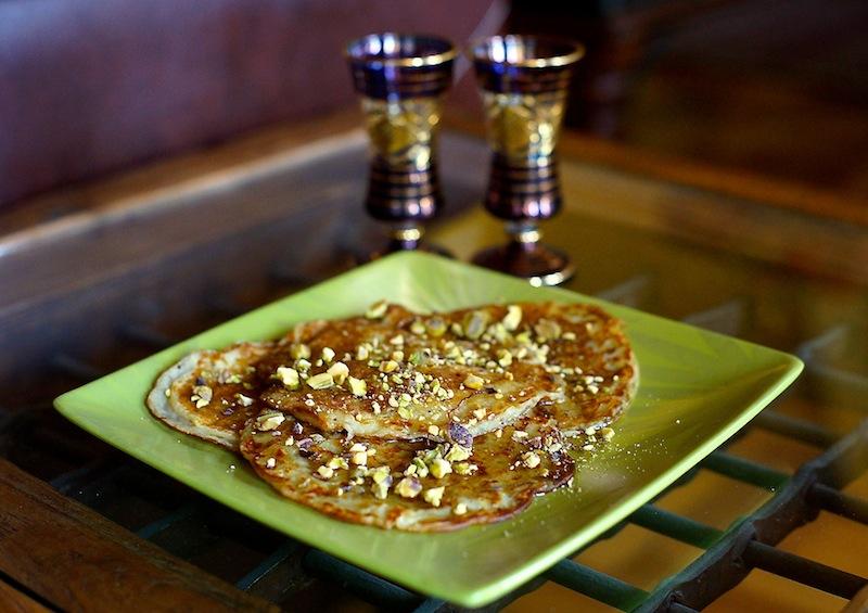 Azerbaijani Pancakes & Kale Banana Berries Smoothie