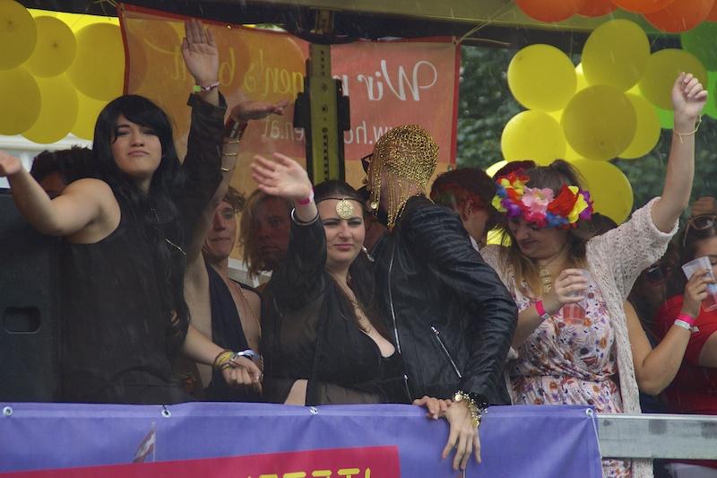 DSC04423 Rainbow Parade in Vienna