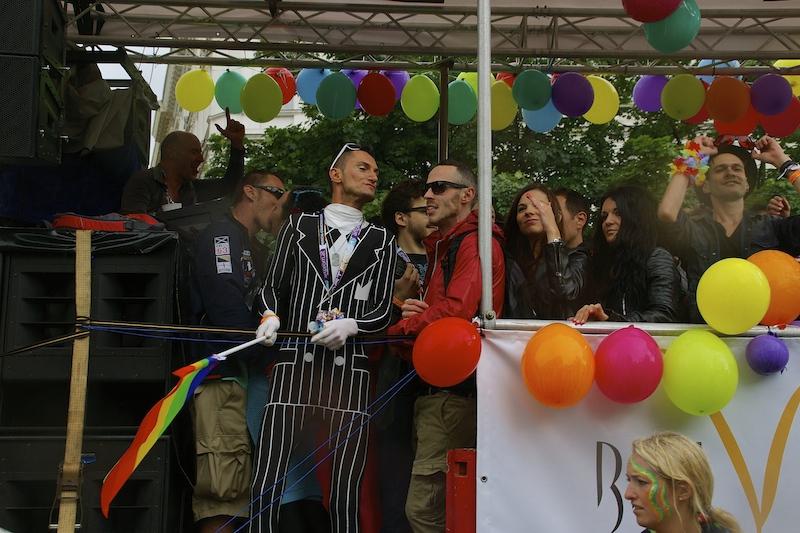 DSC04537 Rainbow Parade in Vienna