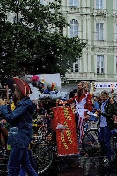 DSC04585 Rainbow Parade in Vienna