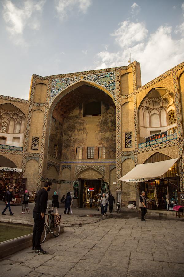 Exploring Isfahan's Grand Bazaar